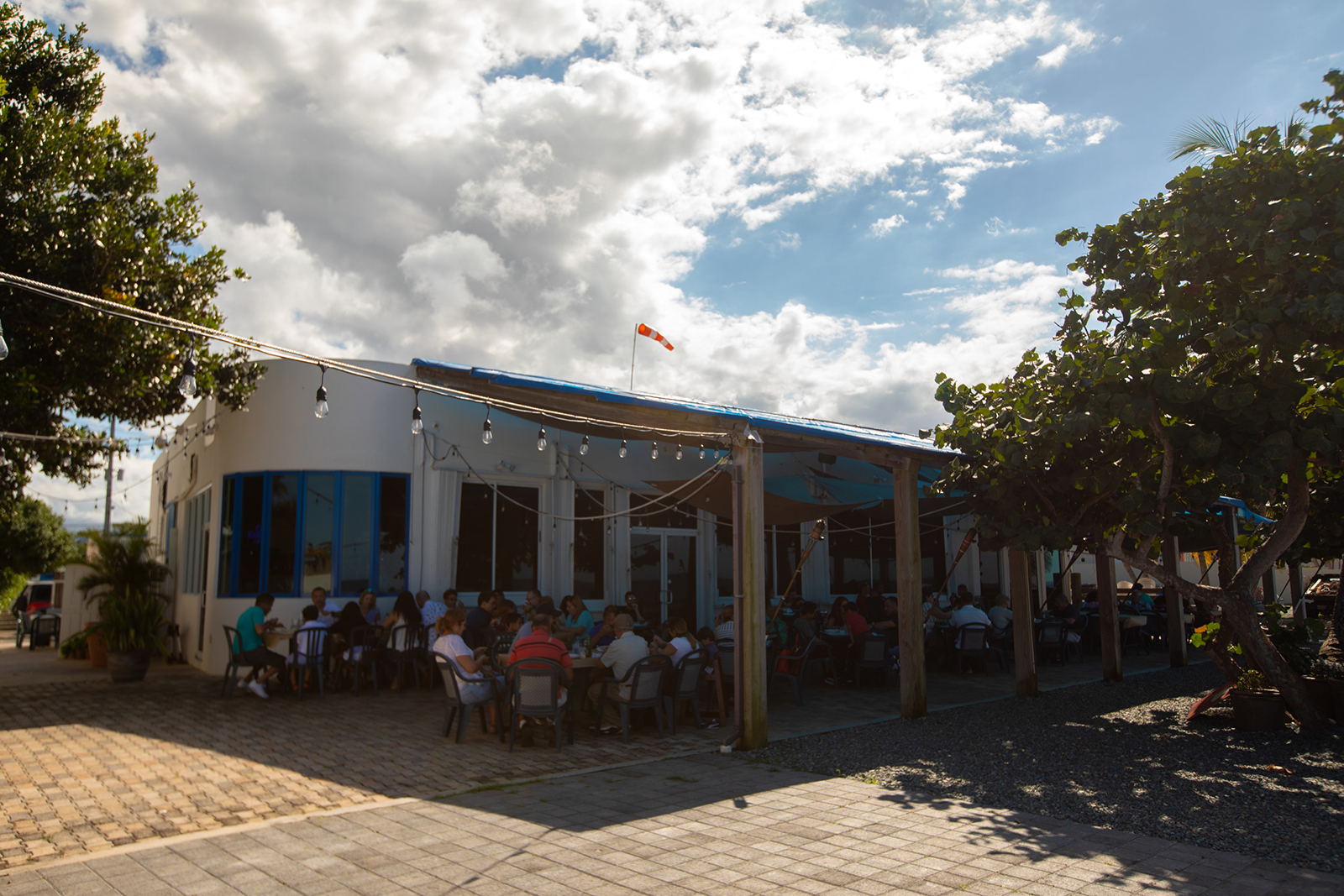 Outside view of Salitre's restaurant in Arecibo.