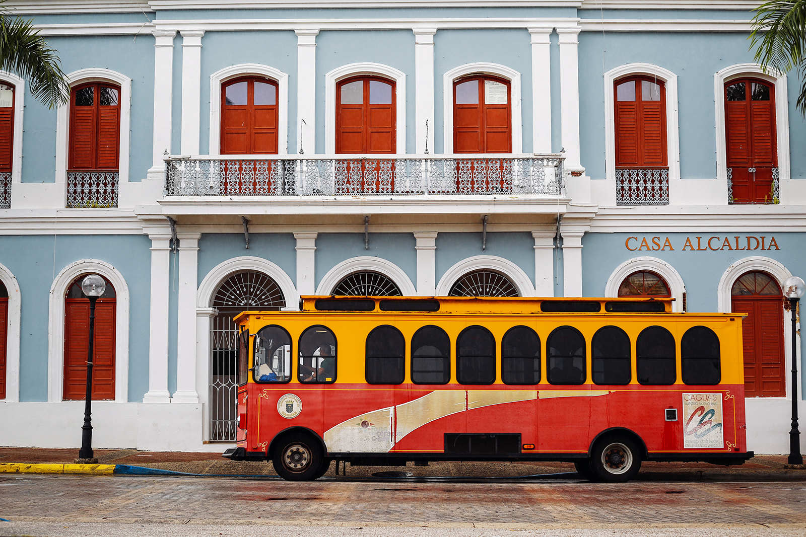 A trolley in front of the mayor's office in Caguas.