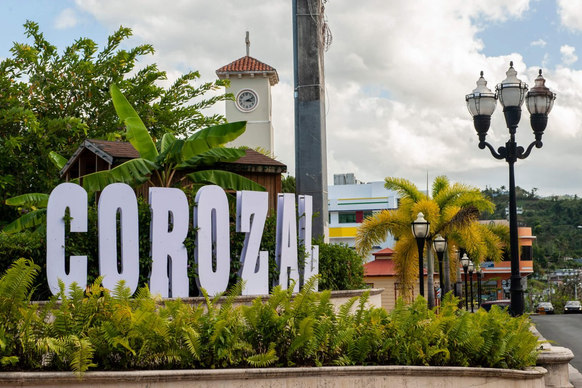 Large Corozal sign welcoming visitors.
