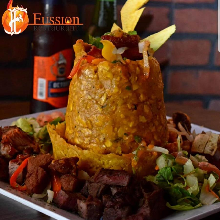 Fussion mixes Puerto Rican cuisine with several international flavors.