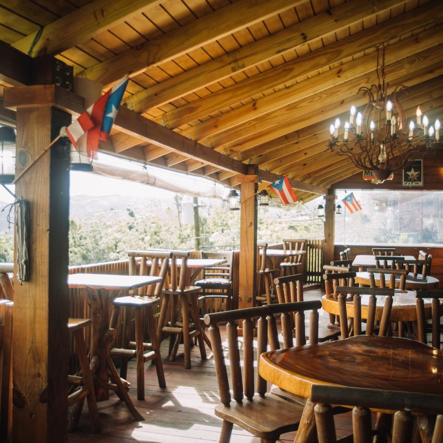 View of Roka Dura restaurant in Orocovis.