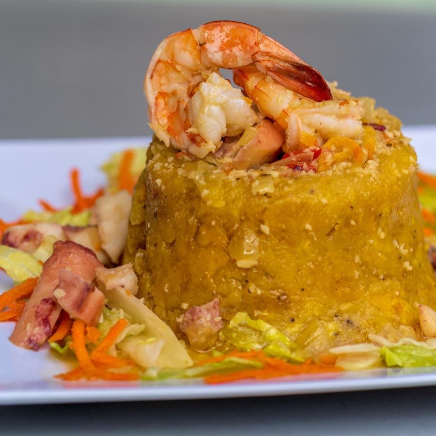 Shrimp-stuffed mofogo